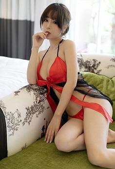 风情女神王雨纯情趣丝裙养眼十足
