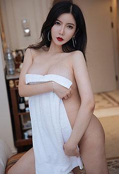丰满娇妻心妍红唇巨乳魅惑浪子心