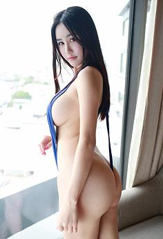 性感妹妹琳琳高叉内衣挤乳翘臀写真