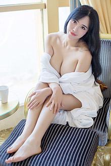 女神刘钰儿女仆写真一颦