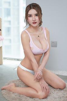 甜美女神尹菲大秀粉嫩豪