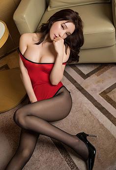魅惑尤物周于希黑丝玉腿勾魂无比
