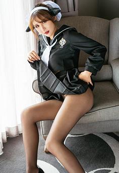制服猫女仆尹菲掀衣秀腿挑逗你心