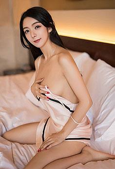 最佳女友小热巴睡裙秀胸性感诱人