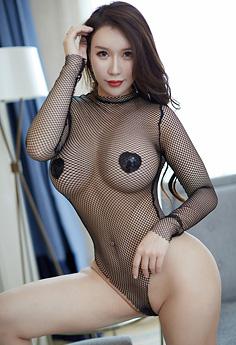 丰满熟女尤妮丝饱满巨乳仅遮两点