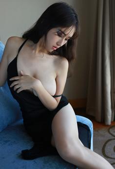 网络女神月音瞳白皙美乳情趣大尺度写真