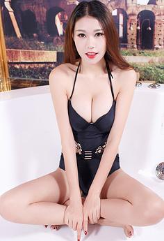 轻熟姐妹花浴室秀胸翘臀妩媚撩人