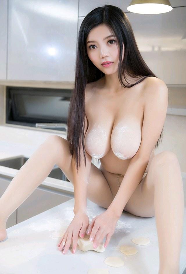 空虚美妇林美惠子丰乳肥臀看的你欲火高涨