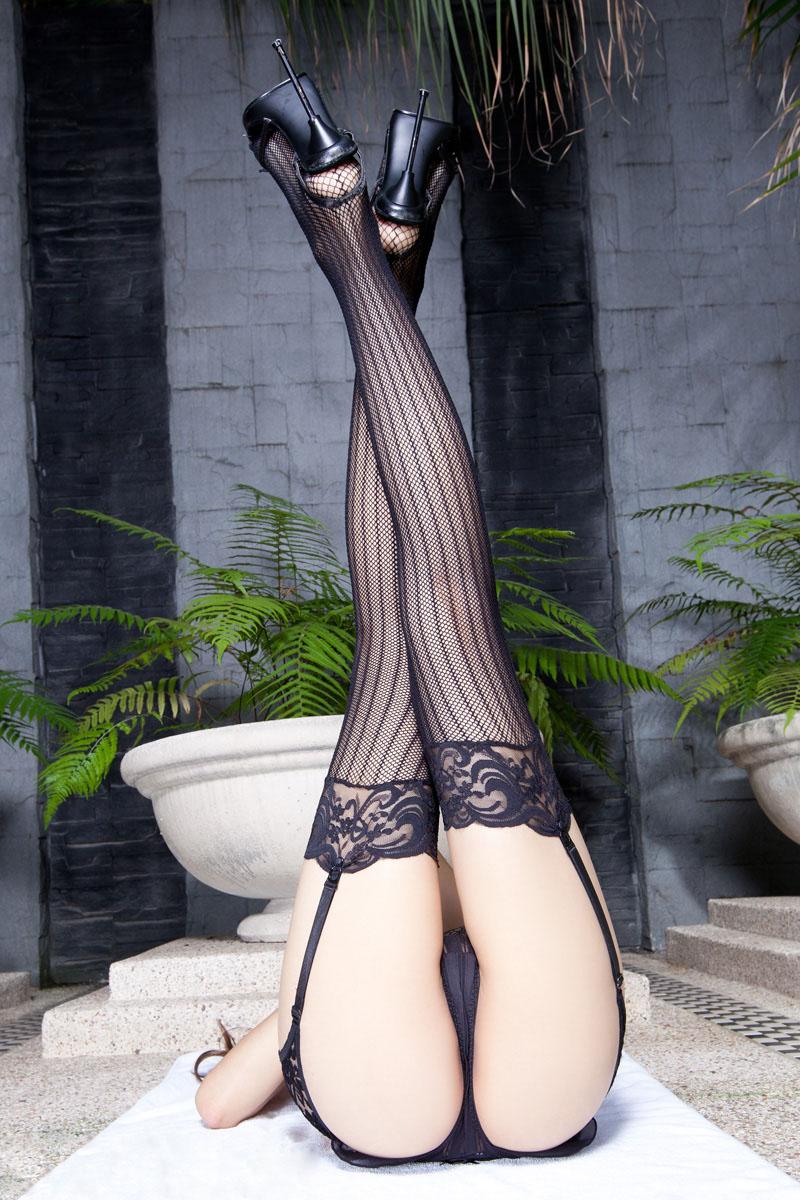 女人裸下部图裸露全身丝袜美腿图片第1期Linda