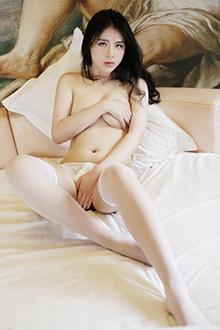 美女舒林培丝袜诱惑半裸