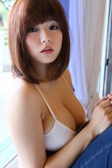 童颜巨乳美女筱崎爱写真