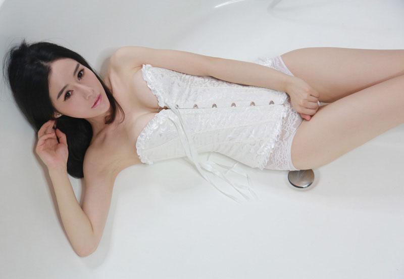 美艳动人mm小姿浴室私房照 第0张