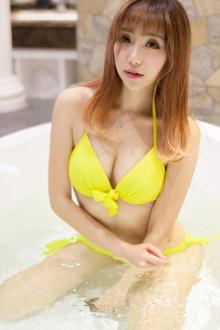 浴中美人鹿小茜美臀湿身