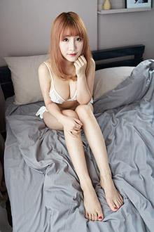 性感尤物绯月樱蕾丝内衣写真十足诱人